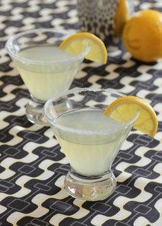 fine white sugar (for the glasses) Lemon Drop: 3 oz. fine white sugar (for the glasses) Lemon Drop Drink, Lemon Drop Shots, Lemon Drop Cocktail, Lemon Drop Martini, Great Desserts, Party Desserts, Delicious Desserts, Dessert Recipes, Recipes Dinner