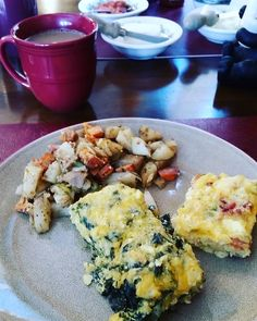 coachkellyscott... Tahoma Meadows Cottages. Fueling up for a cold day on the slopes! This is one of the reasons why we love staying here, the breakfast bakes are amazing!! #breakfast #tahoe #tahoma #foodisfuel #snowbound #skibunny #getoutside #dogmom #liveyourdreams #healthy