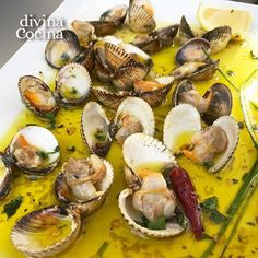 Fish Recipes, Seafood Recipes, Great Recipes, Cooking Recipes, Healthy Recipes, Spanish Cuisine, Spanish Dishes, Spanish Kitchen, Pescado Recipe