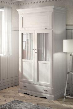 Armario clásico 2 puertas en color blanco decapado, varias opciones de acabados y medidas en: http://rusticocolonial.es/mueble-clasico/muebles-de-dormitorio-clasicos/armarios-cl%C3%A1sicos