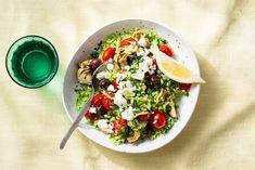 Kijk wat een lekker recept ik heb gevonden op Allerhande! Kleurrijke salade met broccolirijst en feta Giant Food, Feta, Meatless Monday, Artichoke, Grain Free, Salad Recipes, Side Dishes, Vegetarian Recipes, Veggies