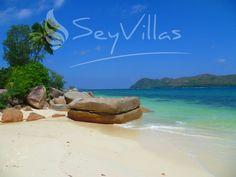 Exclusive Villas and Hotels auf on Praslin (Seychellen). Book your dream holidays on Praslin (Seychellen) at the seychelles expert! Praslin Seychelles, Seychelles Beach, Beaches In The World, Beach Mat, Paradise, Villa, Ocean, Places, Outdoor