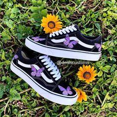Cute Vans, Cute Nike Shoes, Cute Sneakers, Nike Air Shoes, Shoes Sneakers, Vans Old Skool, Jordan Shoes Girls, Girls Shoes, Butterfly Shoes