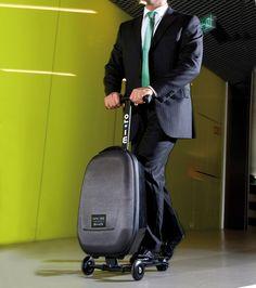 乗って運べるスーツケース「マイクロ・ラゲッジ(Micro Luggage)」 | ニュース - ファッションプレス
