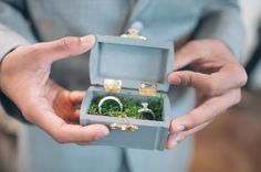 Darling little ring bearer box! Image: Anna Smith Photography