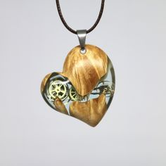 특수목과 레진을 사용해 만드는 악세사리 . . . . . . . #스팀펑크 #우드 #나무 #쥬얼리 #악세사리 #디자인 #핸드메이드 #레진 #패션 #펜던트 #팬던트 #목걸이 #수제작 #수제목걸이 #수공예악세사리 #수공예 #수공예목걸이 #수작업 #특별한 #선물 #좋아요 #wood #necklace #pendant #handmade #resin #jewelry #accessory #design #designer #steampunk