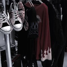Aesthetic Japan, Red Aesthetic, Character Aesthetic, Aesthetic Photo, Aesthetic Pictures, Aesthetic Themes, Aesthetic Clothes, Looks Style, My Style