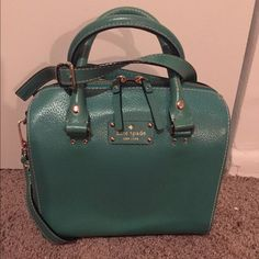 *Make an Offer! Kate Spade Cross Body This beautiful green Kate Spade Crossbody is perfect for spring. Used a few times...... Low balls welcome, we can negotiate! ❤️ kate spade Bags Crossbody Bags