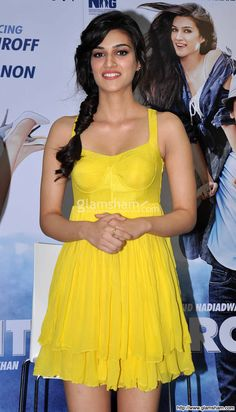 Kriti Sanon In Yellow Dress at Bollywood Hotties Yellow Fever picture gallery picture # 24 : glamsham.com