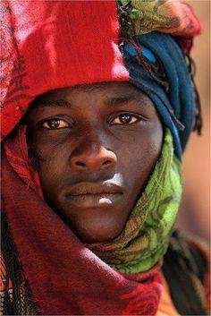 a—fri—ca: Jeune homme Peul du Sénégal (Fula young man, Senegal) Photo de claude Gourlay