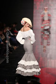 The contrasting frills on the skirt and the blousy top are a great combination. Not sure about the hat though. Fashion Show Themes, Fashion Outfits, Gypsy Dresses, Nice Dresses, Flamenco Party, Spanish Fashion, Engagement Dresses, Folk Costume, Traditional Dresses