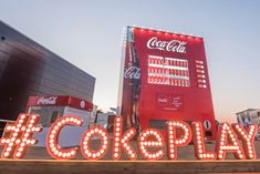 Olympic sponsor Coca-Cola's giant vending machine in Gangneung is proving to be a hit attraction in its own right, with Korean celebrities making pitstops at the commercial landmark to bid South Korean athletes good fortune. Experiential Marketing, Guerilla Marketing, Event Marketing, Stage Design, Event Design, Coca Cola, Interactive Walls, Outdoor Wedding Inspiration, Exhibition Booth