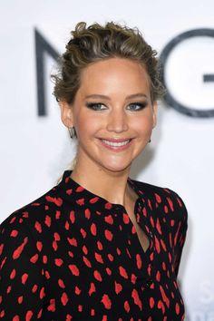 "Jennifer Lawrence & Chris Pratt - ""Passengers"" London Photocall on Dec 1"