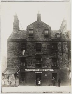 Photographs of the south side of Edinburgh Old Town Edinburgh, Edinburgh Scotland, Old Pictures, Old Photos, Scotland History, Ancient Buildings, Old Street, Scottish Highlands, City Photography