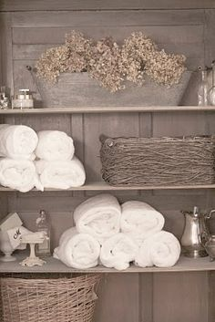 FRENCH COTTAGE BATH NEUTRAL PALLET