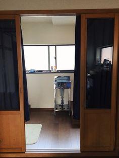 2nd floor: shower/sink area