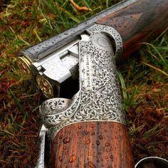 David McKay Brown / Shotgun over and under Hunting Rifles, Hunting Gear, Sporting Clays, Gun Art, Double Barrel, Cool Guns, Guns And Ammo, Shotgun, Shooting Sports