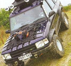"""That'll fix that """"hood is reflecting the sun into my face"""" problem. Land Rover Discovery 1, Discovery 2, Camper, Jeep Xj Mods, Jimny Suzuki, Jeep Jku, Bug Out Vehicle, Expedition Vehicle, Jeep Truck"""