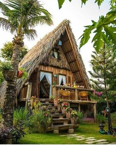 adorable farmhouse cottage design ideas and decor 34 Hut House, Tiny House Cabin, Tiny Houses, Farm House, Bamboo House Design, Tiny House Design, Jungle House, Log Cabin Designs, A Frame House
