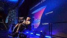 Sin alzar la voz: No hay más dios que la ciencia, y Hawking es su profeta