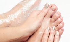 Passo a passo: aprenda a fazer as unhas do pé em casa