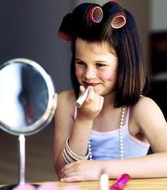 Tweens (pre teens) now prefer make-up parties to pass the parcel for their birthdays. Photo: Getty Images