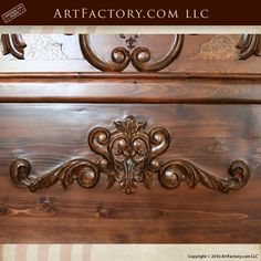Hand Carved King Or Queen Bed Of Solid Wood With Gold Leafs Decors From A Castle Distinctive For Its Traditional Properties Reproduction Beds