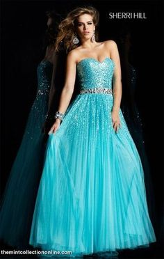 Love this dress! <3 -Lauren Alaina wore it on American Idol!