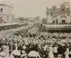 Australiese troepe oppad na boere oorlog marsjeet deur strate van Melbourne. Melbourne, Dolores Park, Van, Travel, Trips, Vans, Viajes, Traveling, Outdoor Travel