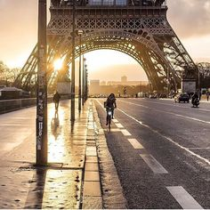 PARIS. #paris #eiffeltower Photo Credit: @briko Chosen by : @la_gomme ≕≔≕≔≕≔ #parisjetaime #parisiloveyou #igersparis #topparisphoto #visitparis #parismaville #parismonamour #iloveparis #paris🇫🇷 #parisweloveyou #parisphoto #parisian #parisienne #parís #parisien #parisparis #parislife #pariscity #parislove #Париж #parigi #...