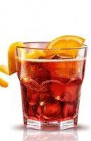 Recette Cocktail Americano. L'Americano a été inventé en Italie en 1861 au bar de Gaspare Campari par lui même, endroit fréquenté par des alcooliques...