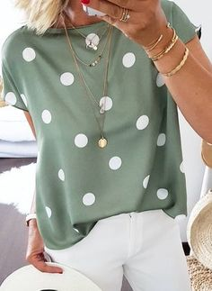 Shop Floryday for affordable Tops. Floryday offers latest ladies' Tops collections to fit every occasion. Latest Fashion For Women, Latest Fashion Trends, Womens Fashion, Fashion Online, Casual Outfits, Fashion Outfits, Fashion Blouses, Hipster Outfits, Fall Outfits