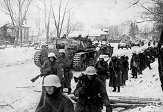 """historicaltimes: """" German soldiers make their acquaintance with the brutal Russian winter, 1941. """""""