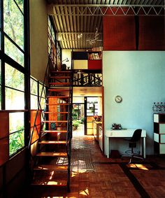 Originally known as Case Study House No. the Eames House was such a spatially pleasant modern residence that it became the home of the architects themselves. Charles and Ray Eames began designin… Industrial House, Industrial Interiors, Industrial Bookshelf, Kitchen Industrial, Industrial Apartment, Industrial Bedroom, Industrial Table, Industrial Farmhouse, Industrial Furniture