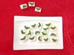 Azucarillos decorados con glase real y motivos navideños. Rosa María Escribano