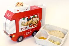Packing lunch for children in the mornings can be really hectic, especially when you have picky-eaters. That's why Lunch Truck is a great way to get fast, delicious and healthy lunches for children. The food truck structure of the design represents the id…