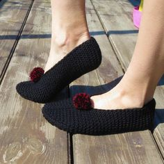 Black wool slippers women slippers organic wool slippers custom shoes house slippers fuzzy slippers women winter slippers pom pom wool socks Winter Slippers, Fuzzy Slippers, Knitted Slippers, Wool Socks, Knitted Hats, Baby Boy Cardigan, Knit Baby Sweaters, Baby Coat, Custom Shoes