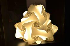 Abatjour CAMPANELLA, la trovi qui: http://www.lampadesign.com/scheda.php?id=4 Luce calda e soffusa per un ambiente rilassato