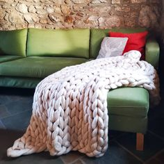 Large blanket in oyster using the stockinette stitch
