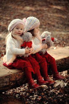 ︎dejemos qué. Las cosa fluyan. Cómo el. Amor. De. Hermanas.  Que fluyan como. El. Agua. Porque por siempre serán. Hermanas.