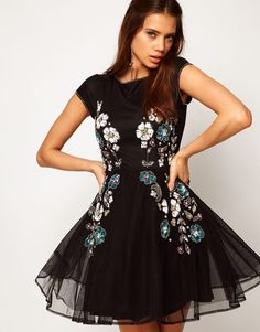 bead-embroidery-on-the-dress