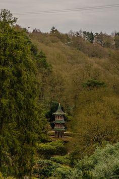 Pagoda Fountain - Alton Towers Gardens