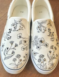 Painted Vans, Custom Painted Shoes, Painted Sneakers, Hand Painted Shoes, Custom Vans Shoes, Mens Vans Shoes, Vans Shoes Fashion, Vanz, Fresh Shoes