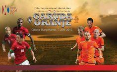 Hasil Pertandingan Indonesia vs Belanda 7 Juni 2013 – Agenbola855.com - Hasil Pertandingan Indonesia vs Belanda pada laga persahabatan di Gelora Bung Karno, Jakarta, Jumat (7/6/2013) malam WIB. Skuat Garuda hanya kalah dengan skor 0-3.   Hasil ini tidaklah terlalu mengecewakan terbukti dibabak pertama Indonesia mampu menahan imbang De Oranje, laga baru berjalan dua menit, Robin van Persie berhasil menjebol gawang Kurnia Meiga. Namun, pemain Manchester United itu telah terperangkap offside.