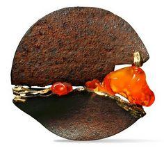 Thierry Vendome- Broche Choc Orange Rouille, or jaune et opales de feu. Brooch fire opal, gold and rusty iron.