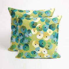 Flower Bed 20-inch Throw Pillow (Set of 2) (Set of Two Flower Bed - 20 SQ), Blue, Size 20 x 20 (Polyester, Floral)