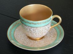 Royal Worcester UK 1910 - tea cup and saucer - vintage - mint and gold