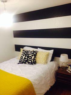 B&W stripe accent wall