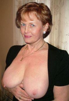 Figured full mature naked woman