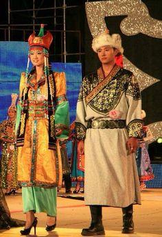 Mongolia - tradycyjne stroje